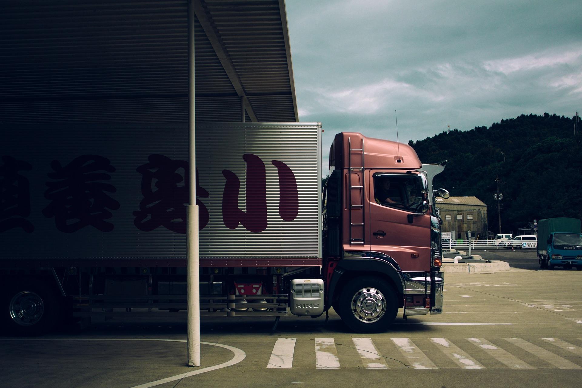 truck-1030846_1920